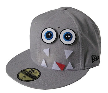 La gorra del monstruo de velcro