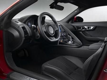 Jaguar F-Type Coupé Interior 2
