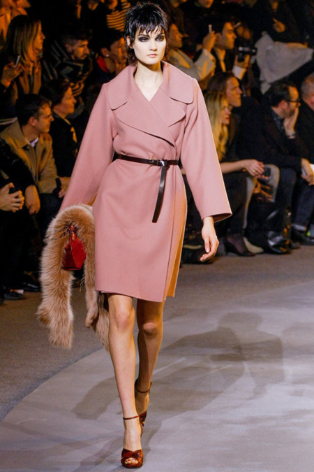 Abrigo rosa palo de Marc Jacobs Otoño-Invierno 2013/2014