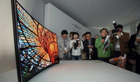 "Samsung presenta televisor OLED de 55"" con pantalla curva"