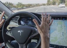 El Autopilot de Tesla se bloqueará si no lo usas apropiadamente, es bueno pero no perfecto