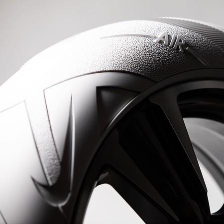 John Elliott Disena Los Neumaticos Del Nuevo Ux 2019 De Lexus Inspirados En El Air F1 De Nike