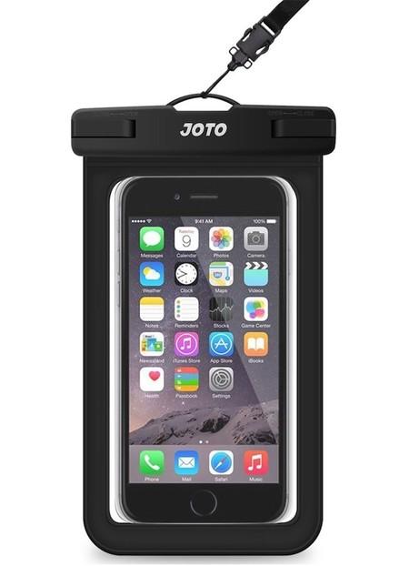 51e79e398e6 La funda JOTO es universal, siempre y cuando tu teléfono sea de 6 pulgadas.  Está fabricada en plástico con un sistema de sellado que bloquea el acceso  del ...