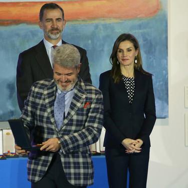 Lorenzo Caprile recibe la Medalla de Oro al Mérito en las Bellas Artes