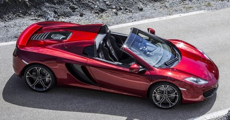 McLaren MP4-12C spider rojo
