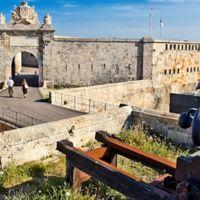 La fortaleza de Isabel II: La Mola, en Menorca