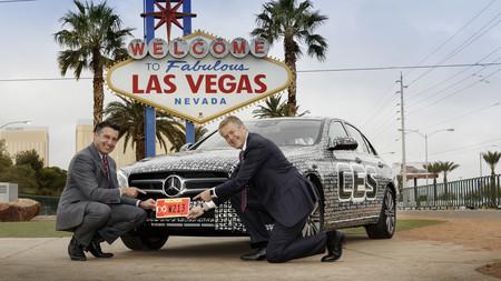 Daimler y Uber se unen por el coche autónomo