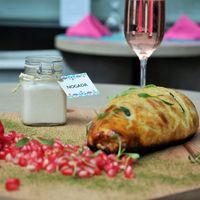 Inicia la temporada de chiles en nogada y en Xanat Bistró probarás una propuesta hojaldrada y deliciosa