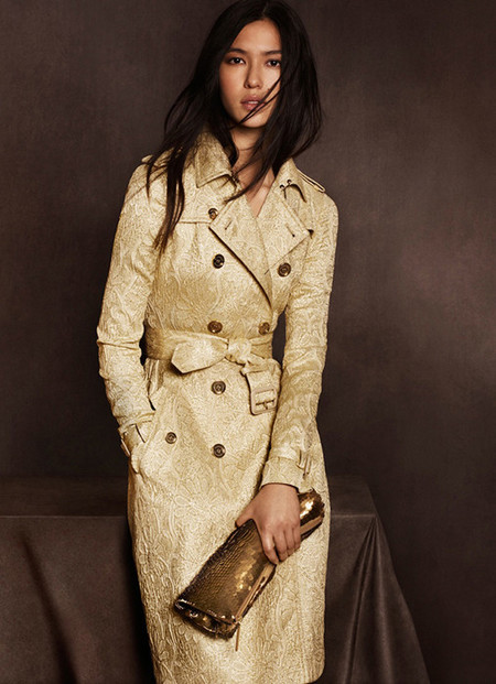 Burberry crea una capsule collection para su flagship de Shanghai