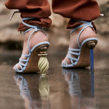 Esta primavera no te quedes sin tus zapatos de tacón geométrico