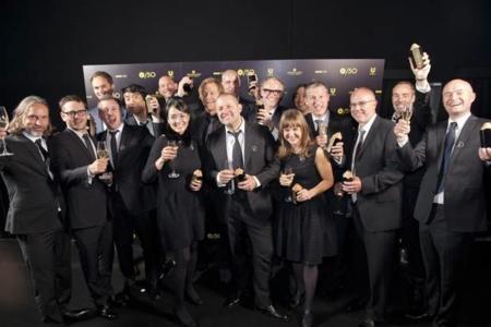 Apple recibe un premio por sus diseños... y el equipo de diseñadores al completo lo recoge