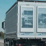 ¿Cómo convertir camiones en vallas publicitarias rodantes? Con pantallas gigantes de tinta electrónica