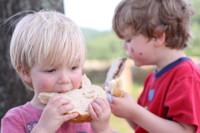 Para prevenir la obesidad infantil, también hay que reducir el consumo de sal
