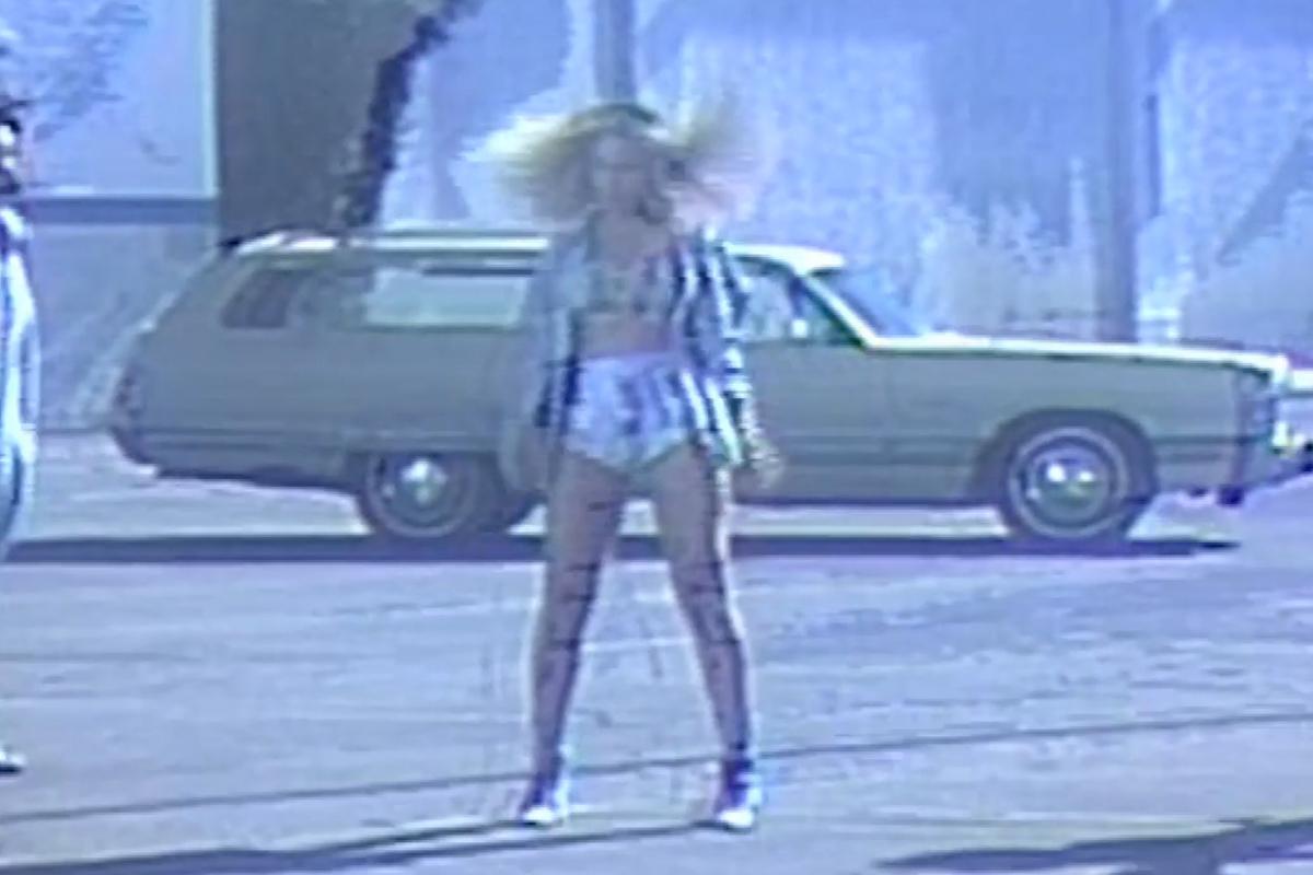 Foto de Vestuario de Beyoncé en Formation (10/21)