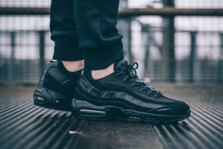 Triple Negro: vuelven las Nike Air Max 95 Triple Black