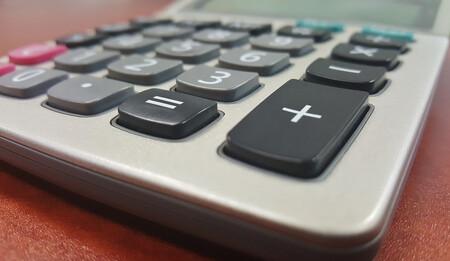 ¿Cuánto paga a la Seguridad Social un trabajador por cuenta ajena y un autónomo?