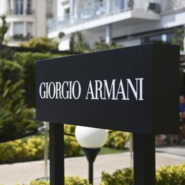 El polémico uniforme de una escuela pública de Tokio: lo firma Armani y cuesta más de 600 euros