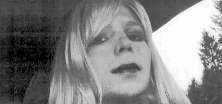 "Chelsea Manning sale de la cárcel siete años después: así celebra sus ""primeros pasos de libertad"""