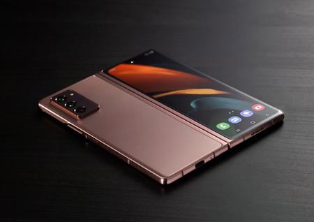 Samsung Galaxy Z Fold 2 03