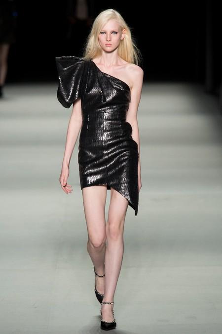 Clonados y pillados: el vestido más it de la Navidad es made in de Zara ¿O era Saint Laurent?