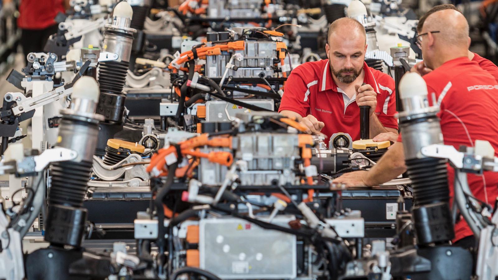 Foto de Fábrica Porsche Taycan (inauguración) (24/44)