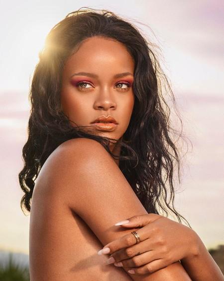 ¡Qué no falte Fenty Beauty para el verano! Rihanna presenta Beach Please, la colección de la temporada