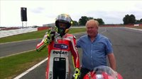 Valentino Rossi; Asistido en Silverstone de una manera peculiar