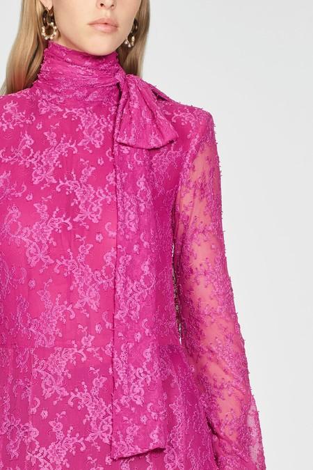 Los 13 vestidos de Zara que son perfectos como invitada de boda de invierno