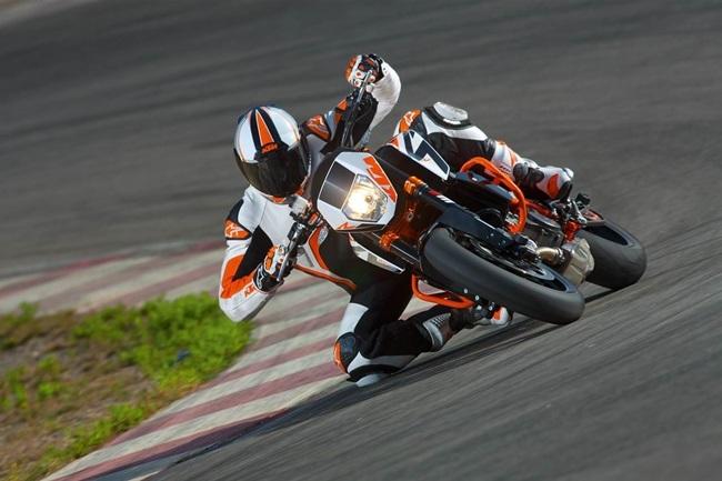Foto de Salón de Milán 2012: KTM 690 Duke R, aun más erre (15/16)