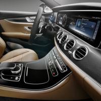 Deja tú lo lujoso, el nuevo Mercedes-Benz Clase E es una auténtica oda a la tecnología