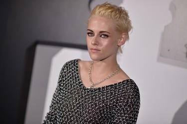 Kristen Stewart cambia de look ¿acaso teme que Lily-Rose Depp le haga sombra como imagen de Chanel?