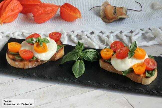 Bruschettas a la caprese, receta ligera de aperitivo o tentempié