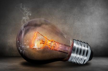 Esta tarde el precio de la electricidad va a dispararse (pero nosotros no lo vamos a notar demasiado)