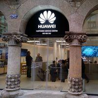Con dos millones de teléfonos en 2017, Huawei se consolida como el principal perseguidor de Samsung en España