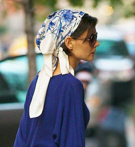 ¿Te animas a llevar el pañuelo a lo Katie Holmes?