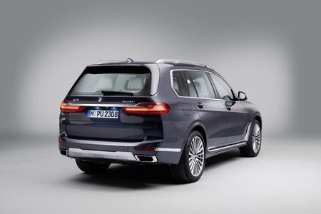 BMW X7 trasera