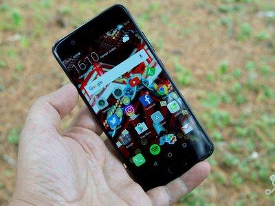 Huawei prepara su nuevo estandarte: ¿P11 con 'notch' al estilo del iPhone X?