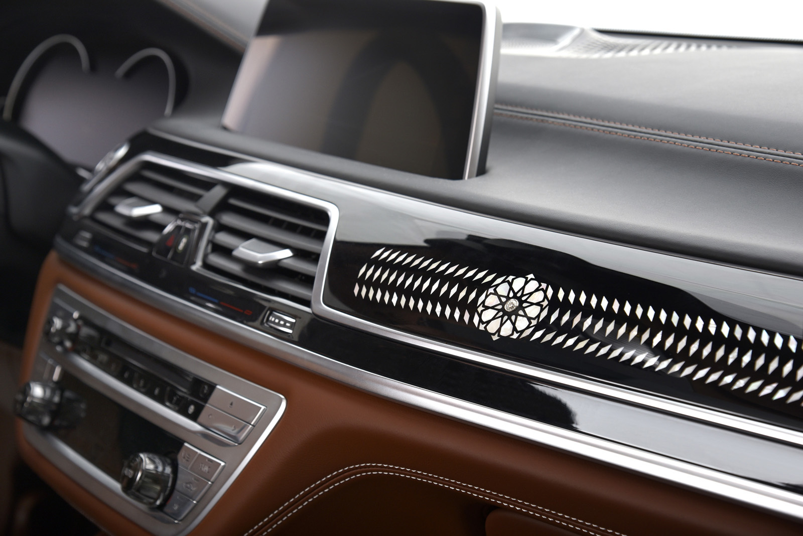 Foto de BMW 750Li xDrive Solitaire Edition (14/30)