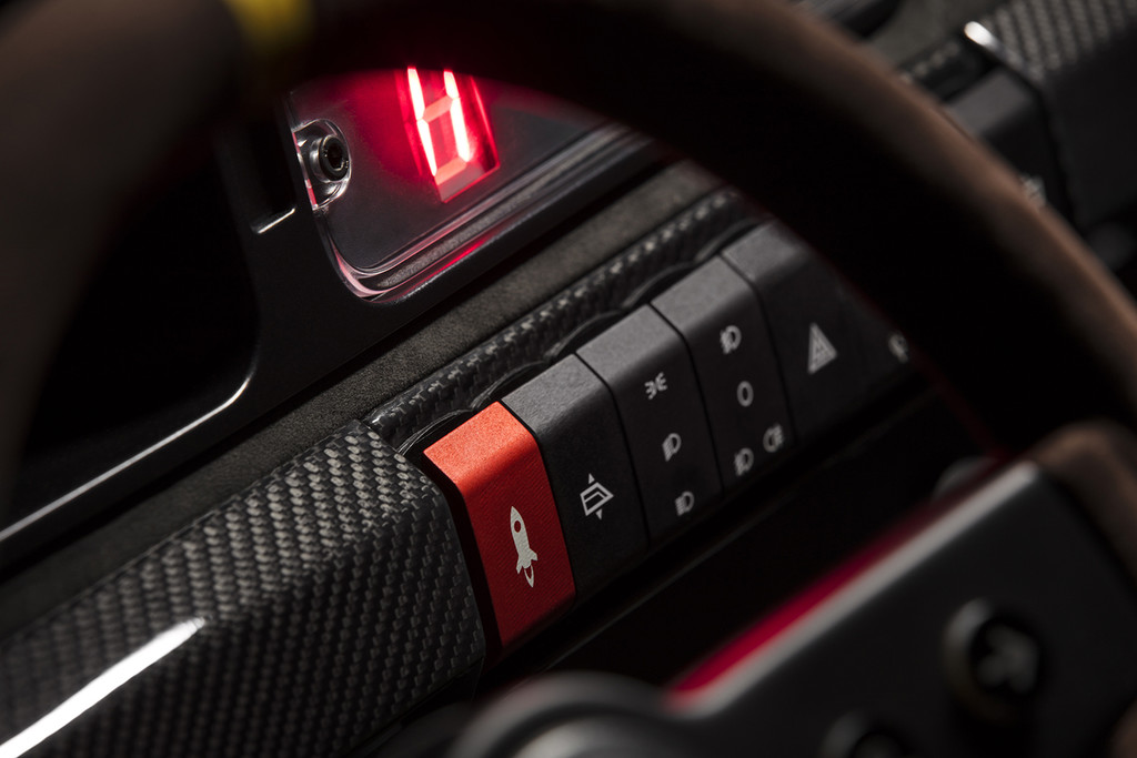 Lancia Delta Futurista interruptores