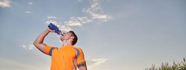 El arte de beber mientras estás corriendo: las claves para que tu estrategia de hidratación sea un éxito