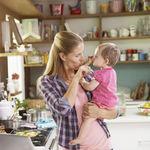 La situación laboral de las madres influye en la calidad de la alimentación de sus hijos