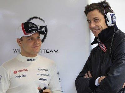 Mercedes recibe a un nuevo invitado en su sede, y se llama Valtteri Bottas