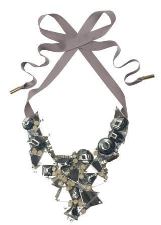Maxi-collar de Matthew Williamson: el poder del accesorio