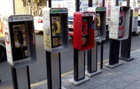 Las casetas telefónicas en México siguen vivas, ahora son puntos de vigilancia y de conexión WiFi