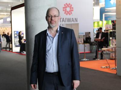 """""""Veo un futuro en el que usaremos implantes para recoger nuestros datos de salud"""": Christopher James (IEEE)"""