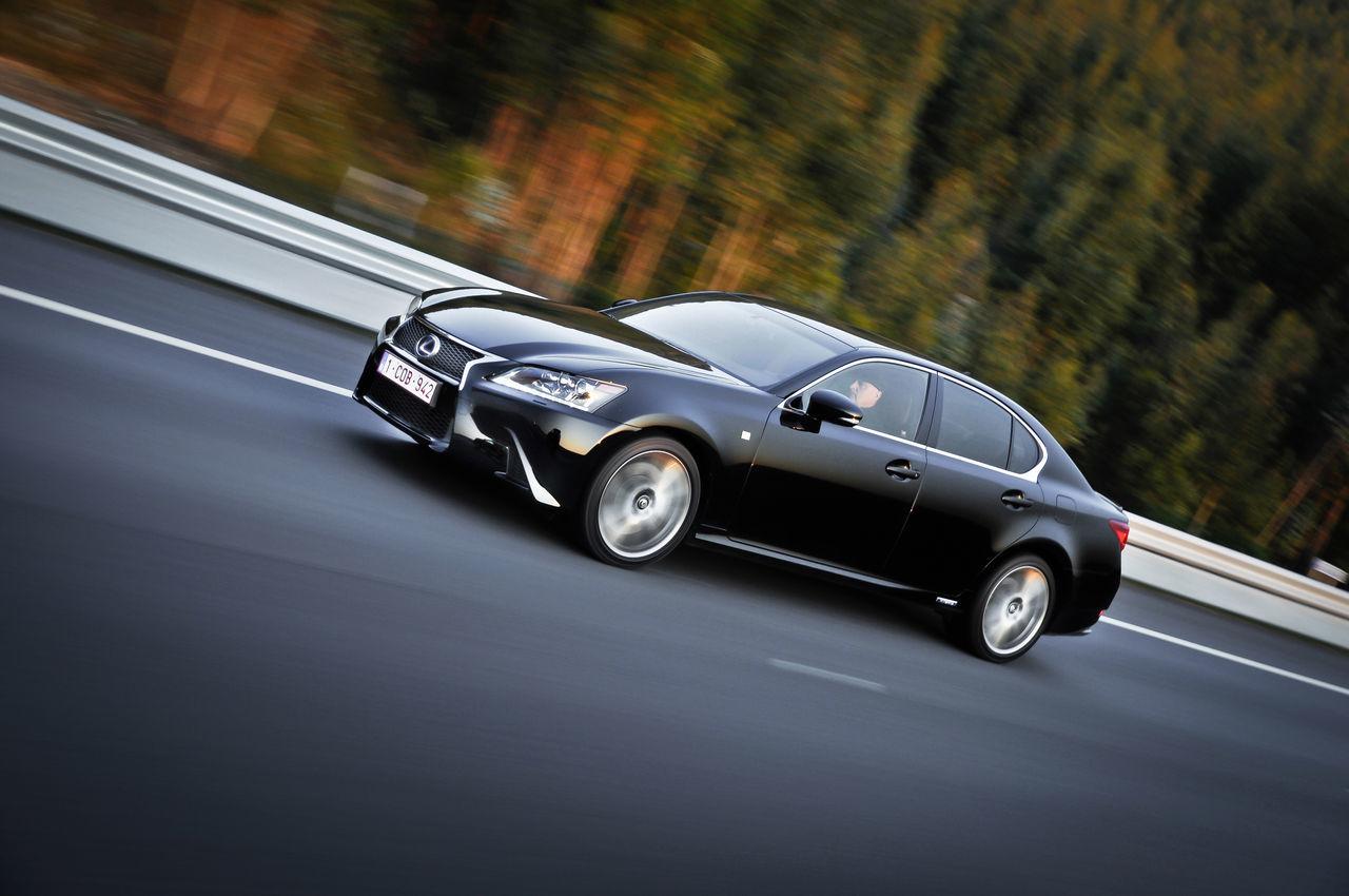 Foto de Lexus GS 450h F Sport (2012) (15/26)