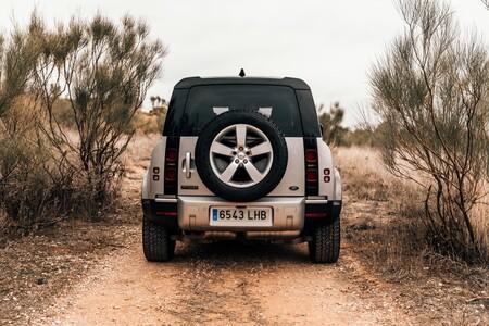 Land Rover Defender 110 trasera