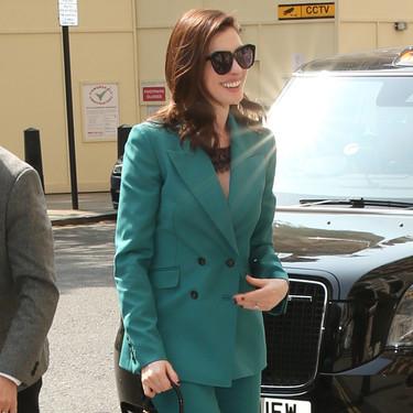 Vestir como Anne Hathaway en su última salida es más fácil de lo que pensamos