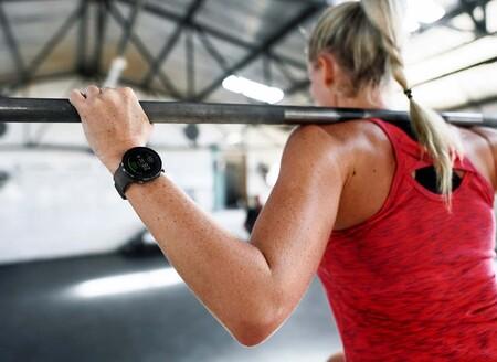Relojes deportivos, smartwatches y pulseras cuantificadoras para regalar en San Valentín:  17 opciones de Fitbit, Garmin, Polar y más