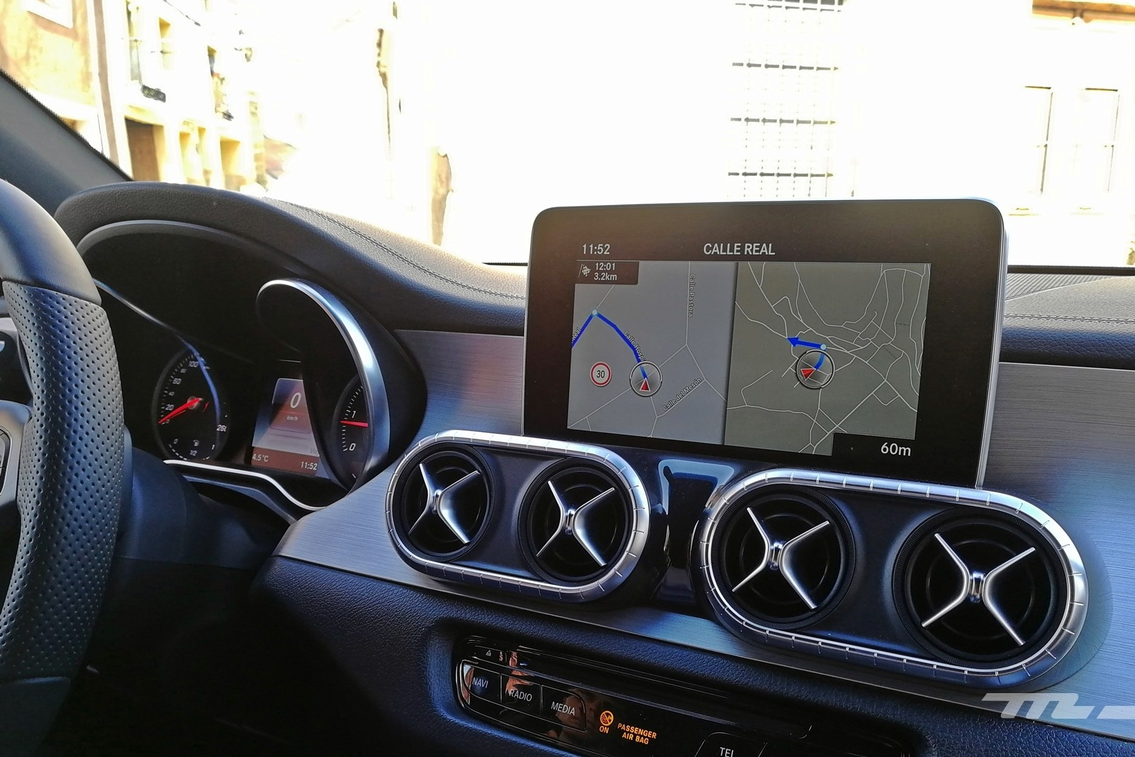 Foto de Mercedes-Benz Clase X 350d 2019 prueba contacto (76/78)